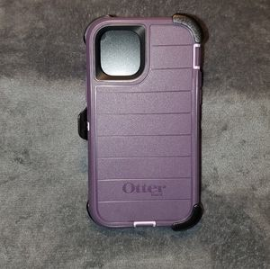 "Iphone 11 PRO ""defender"" case (NEW) Otterbox"